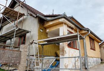 农村房屋在征收过程中被违法强拆,要怎么赔偿