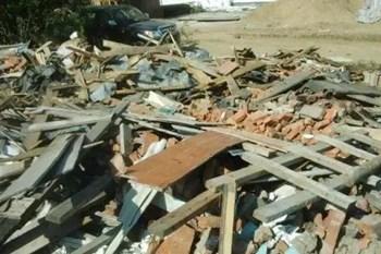上班时自家房屋被违法拆迁,有监控录像为证却被驳回起诉