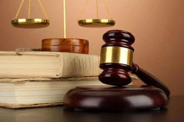 一家三套房收到两份《责令限期拆除决定书》和一份《责令交地决定书》同时面临被违法拆迁