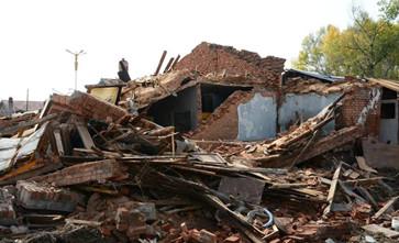 凌晨违法拆除房屋被起诉,街道办称只是协助住户搬家